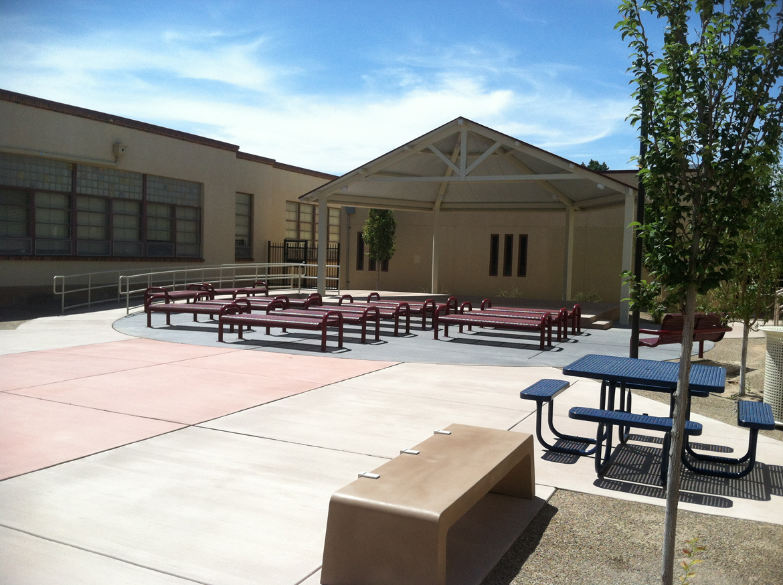 WhittierES-Courtyard2